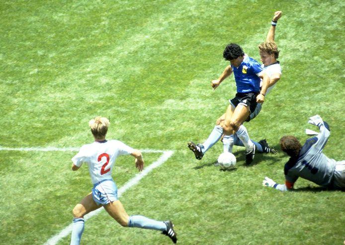 Le but fantastique de Maradona contre l'Angleterre au Mondial 1986