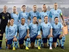 Oranje met 25 speelsters op trainingskamp naar Zuid-Afrika