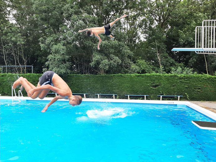Zwembad De Bosselaar in Zevenbergen is klaar voor het zomerseizoen.
