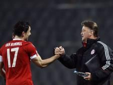 Van Bommel voert druk op: Wat Van Gaal deed, kan niet