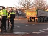 Voetganger gewond na aanrijding met vrachtwagen