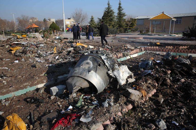Brokstukken van de neergeschoten Boeing.  Beeld AFP