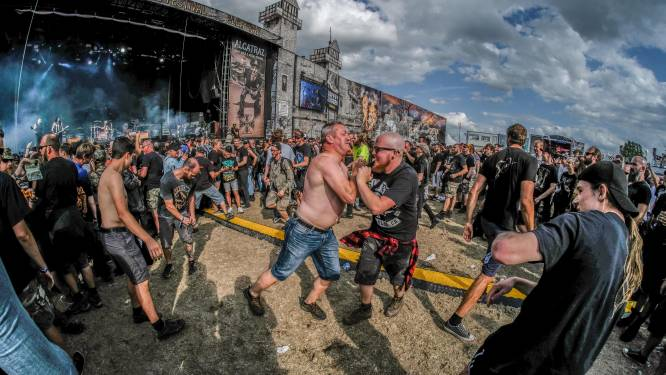 """""""Headbangen, moshpit, stagediven… het zal àllemaal weer kunnen"""": minister Q breekt lans voor Alcatraz"""