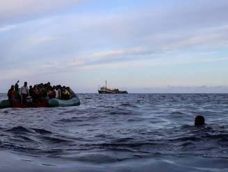 Duitse zeilboot pikt 34 vluchtelingen op op Middellandse Zee