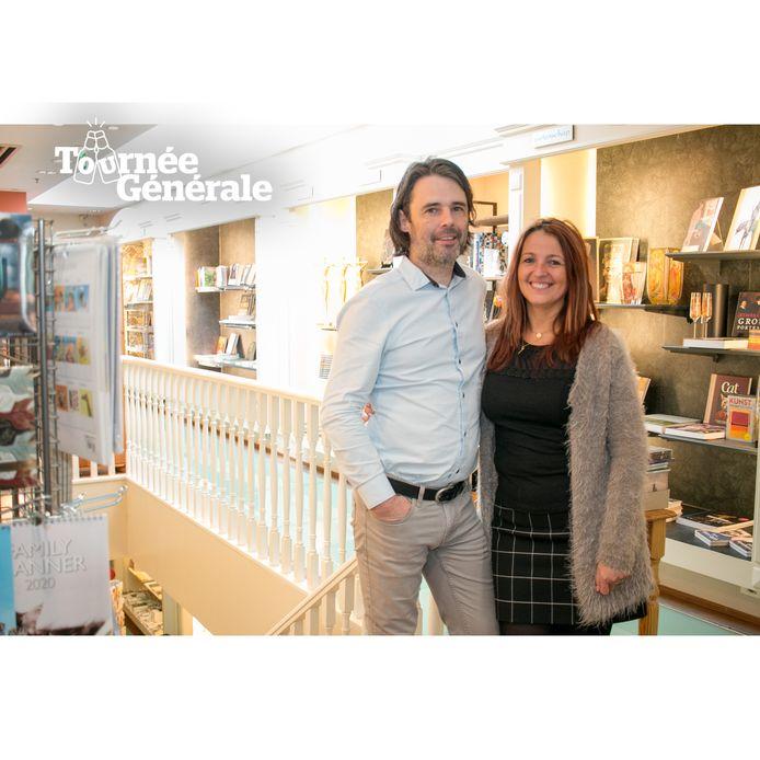 Hilde De Rore, met haar partner Tommy Vaerewijck, in hun boekhandel 't Oneindige Verhaal.