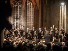 Jan Willem de Vriend dirigeert Weihnachtsoratorium in Oldenzaalse Plechelmusbasiliek