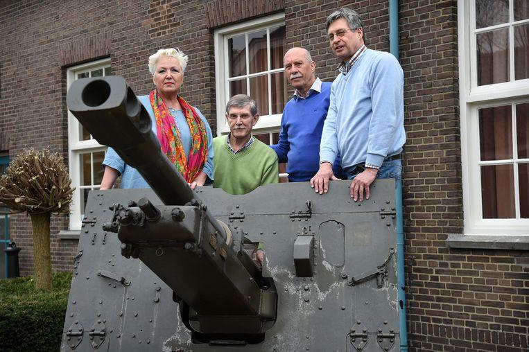 Poolse Nederlanders van de tweede generatie in Breda. Van links naar rechts: Bozena Rijnhout, Ed Cuber, Frans Ruczynski en Roel Noga. Beeld Marcel van den Bergh