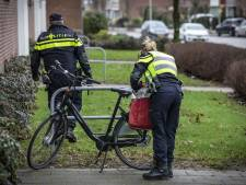 Verdachte V. groette iemand op straat na moord op Chantal de Vries: 'Willen weten wie'