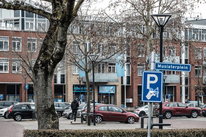 Het parkeerterrein bij de Kampsingel in Zevenaar.