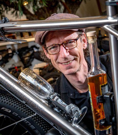 Van vakantie met een racefietsje tot een unieke fietswinkel: Michiel (43) leeft zijn droom in Gorssel