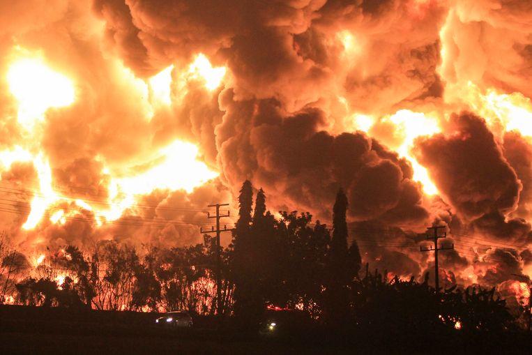 De olieraffinaderij Balongan in West-Java. Beeld EPA