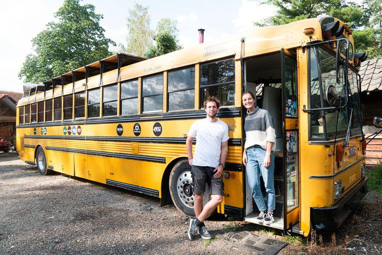 Jérôme (25) en Olivia (23) vertrekken op roadtrip met een zelf opgeknapte Amerikaanse schoolbus.