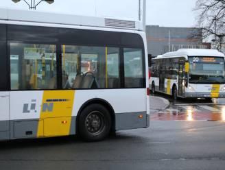 Extra autocars tijdens schoolspits om drukke bussen te vermijden