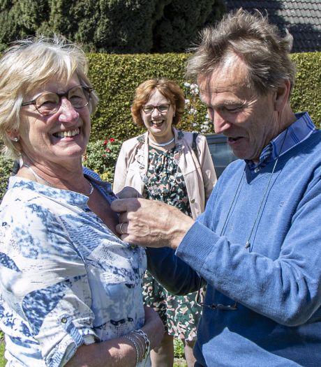Met hart en ziel actief voor de gemeenschap: 23 lintjes in Hellendoorn, Rijssen-Holten en Wierden