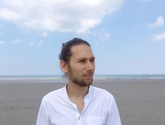 """Joeri loopt 78 kilometer van De Panne naar Knokke om broer te herdenken: """"Het stuk waar hij verongelukte zal het zwaarste zijn"""""""