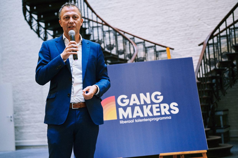 Voorzitter Egbert Lachaert stelt het Gangmakers-programma voor.  Beeld Thomas Sweertvaegher