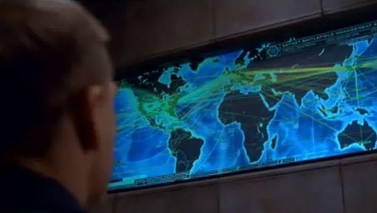 Beeld uit Terminator 3: het kunstmatige netwerk 'Skynet' neemt de wereld over.