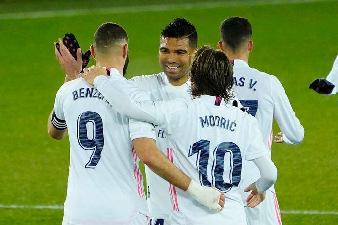 Real Madrid won zonder problemen van Alavés.