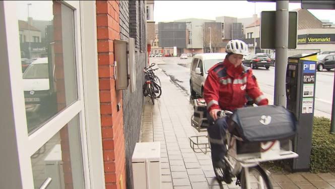 Postbodes spelen ambtenaar in Roeselare