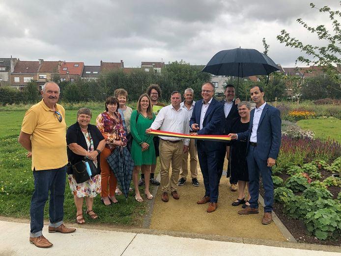 Het Leeuwse gehucht Zuun in Sint-Pieters-Leeuw  heeft er een nieuw groen plekje bij waar iedereen kan van genieten. Het buurtpark en de belevingstuin zijn officieel geopend.