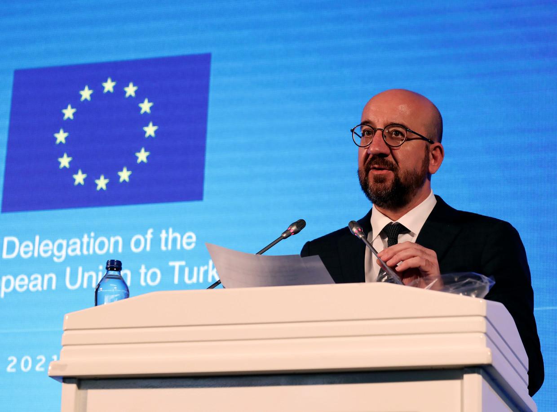 Charles Michel spreekt de pers toe in Ankara. Tijdens die meeting ontmoette hij, samen met Ursula von der Leyen, Turks president Erdogan. Beeld AP
