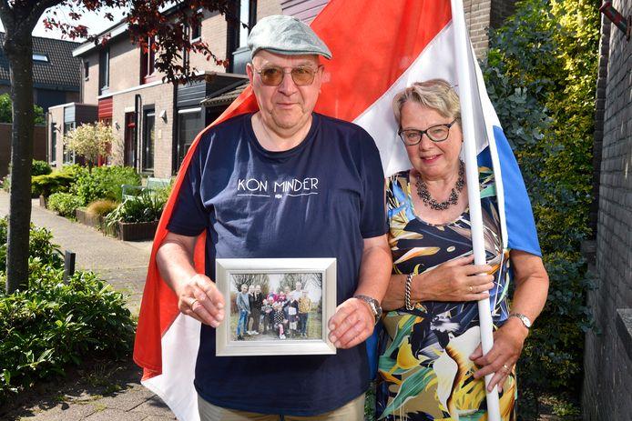 Evert en Tineke Overeem zijn de trotse grootouders van vier geslaagde kleinkinderen.