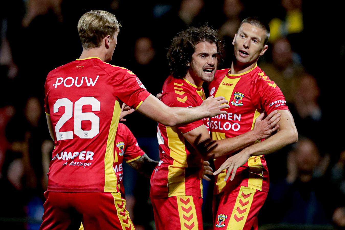 Alexander Bannink (r) heeft Go Ahead Eagles op 2-2 gezet tegen Excelsior, afgelopen september.