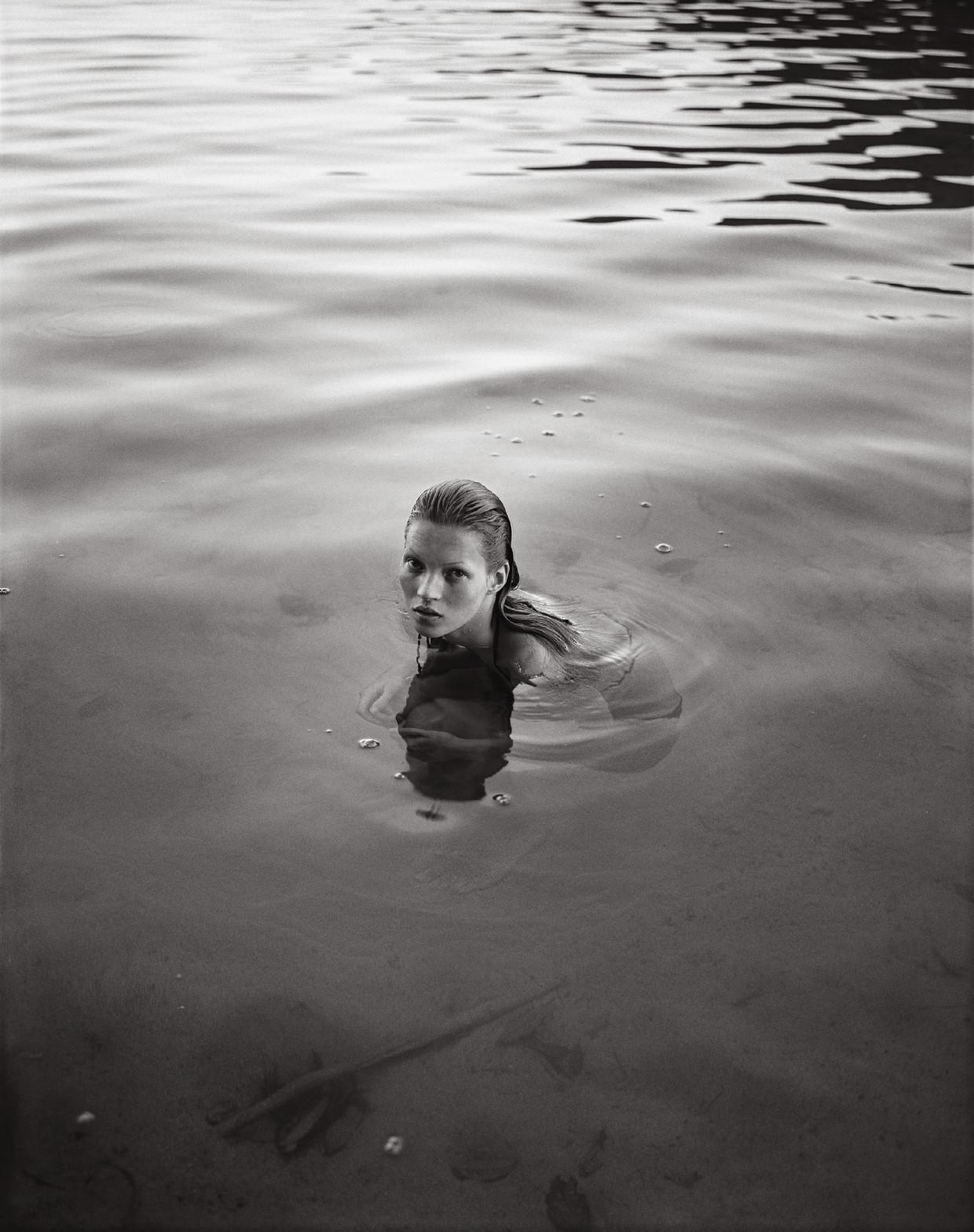 Modefotograaf Mario Sorrenti (46) publiceerde het boek Kate met daarin nooit gepubliceerde foto's van het latere supermodel Kate Moss.