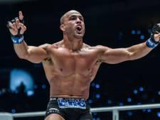 MMA-legende Eddie Alvarez in tranen na diskwalificatie bij rentree
