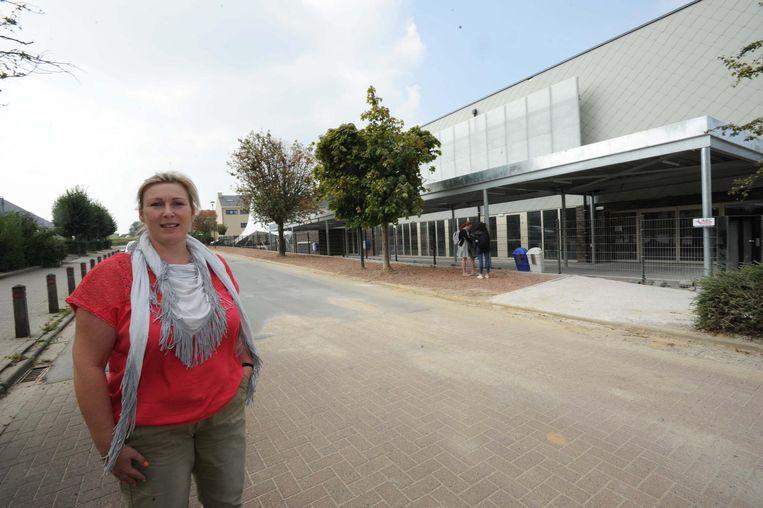 Inge De Petter aan de nieuwe campus van Zavo.