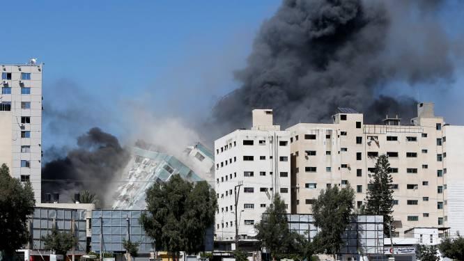"""Woede om Israëlische aanval op persgebouw Gaza: """"Poging om het bloedbad te verbergen"""""""