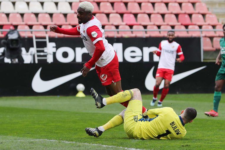 Kerk botst tegen Feyenoord-keeper Bijlow. Beeld ANP