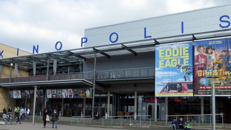 De bioscoop in Viernheim waar de schutter het vuur opende. Beeld Google