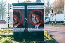 Deze posters werden in december 2019 in Breda opgehangen door posterplakker Koen Boersma uit Tiel. Die zegt zijn opdrachtgevers niet te kennen.