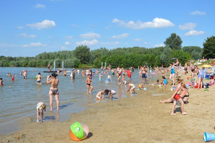 Archiefbeeld - Strand van De Gavers in Onkerzele (Geraardsbergen).