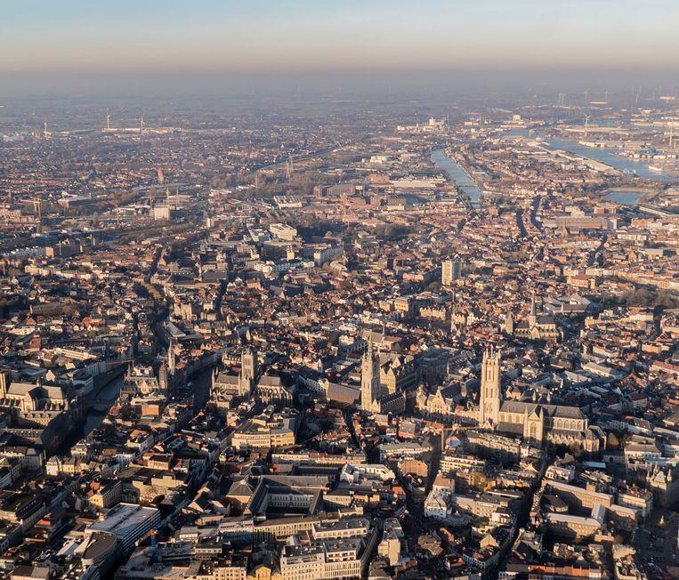 De luchtkwaliteit in Gent is de voorbije tien jaar duidelijk verbeterd, maar in de Gentse kanaalzone is de concentratie fijn stof sinds 2016 niet meer gedaald.