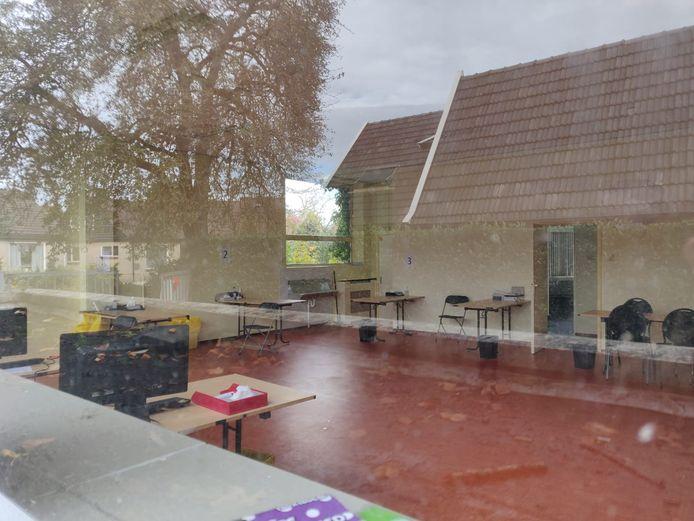 Op de testen-voor-toegang-locatie in Winterswijk was woensdag niemand aan het werk. De locatie stond wel weer in het overzicht van Stichting Open Nederland