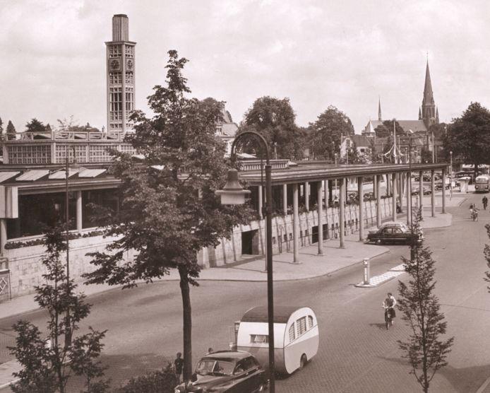 Het station is het eerste onder architectuur gebouwde station (H.G.J. Schelling) van na de oorlog. Gebouwd in 1950.