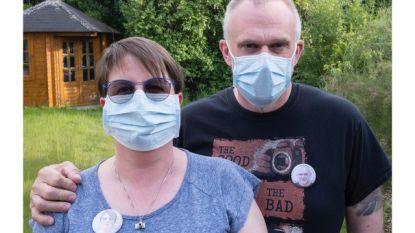 Fotowinkel geeft dragers mondmasker opnieuw een gezicht via button