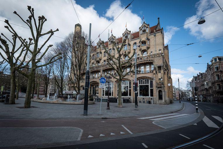 Hard Rock Amsterdam American Hotel op het Leidseplein in april Beeld Dingena Mol