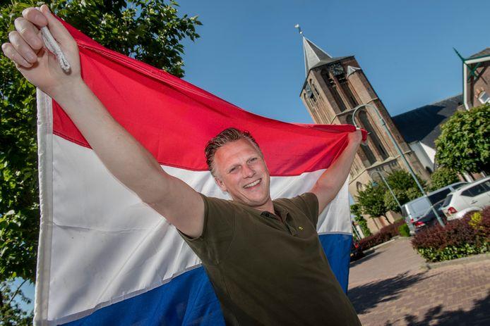Krijn Sweer, voorzitter van de Oranjevereniging in Lienden.