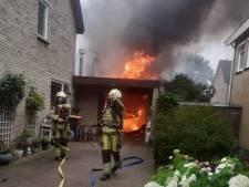 Schuur en auto compleet verwoest na uitslaande brand in Nieuwleusen