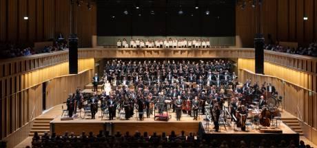 Nieuwe naam voor gezamenlijk orkest in Overijssel en Gelderland kost 73.000 euro: 'Ongehoord'