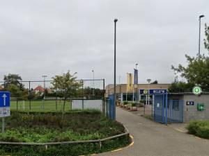 Buiten voetballen mag niet, supporteren in kantine wel: strengere coronaregels voor -12-jarigen in Wommelgem doen wenkbrauwen fronsen