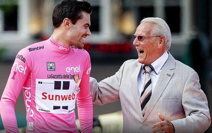 2017: Jan Janssen en Tom Dumoulin tijdens de huldiging van de kersverse Giro-winnaar in Maastricht.
