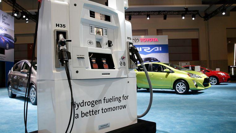 Een waterstofpomp op een Toyota-show in januari. Shell gaat er vierhonderd van plaatsen door heel Duitsland. Beeld Reuters