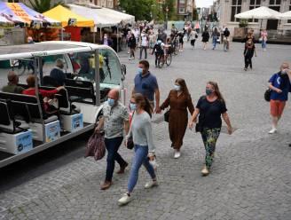 """Vanaf 25 juni gaat mondmaskerplicht op de schop in hartje Leuven: """"Deze week is meer dan 70% van de volwassen Leuvenaars minstens één keer gevaccineerd"""""""