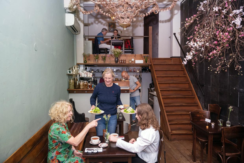 Restaurant Gartine. Eigenaren Kirsten en Willem-Jan halen alle producten uit hun moestuin in de Beemster.   Beeld Els Zweerink