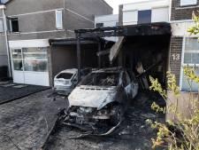Politie: auto's De Harp niet verwoest door brandstichting