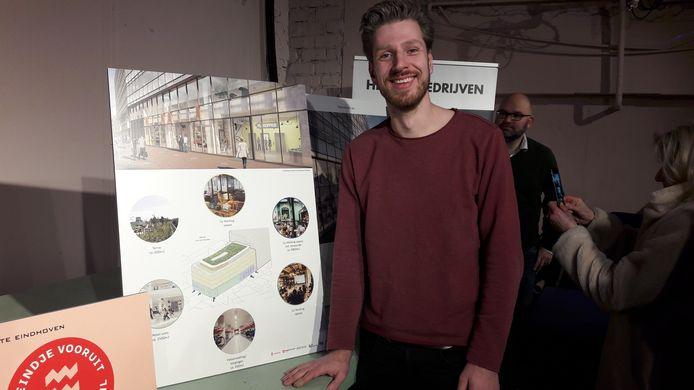 Rik Visser van Microlab bij de presentatie van de plannen voor het voormalige V&D-pand aan de Rechtestraat/Vrijstraat in Eindhoven.